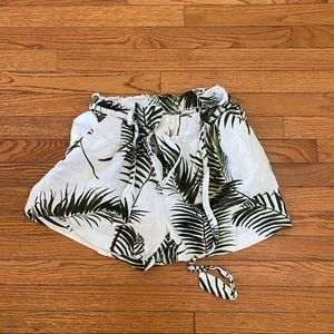 H&M high waisted paper bag tropical shorts
